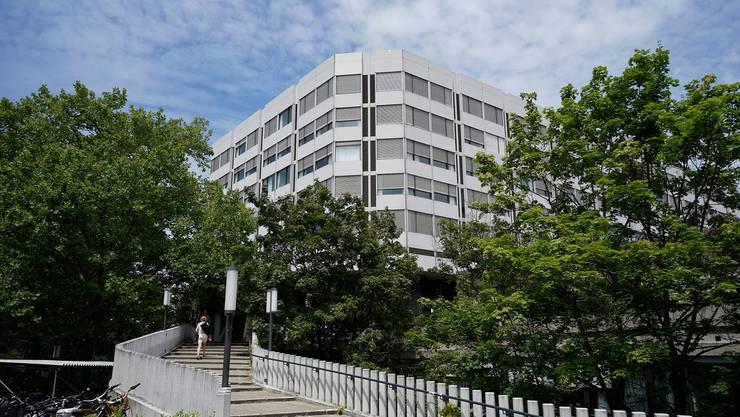 Im Unispital Basel landeten 220 Dosen des zu alten Medikaments.