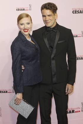 Scarlett Johannson und der französische Journalist Romain Dauriac sind seit September 2013 verlobt.