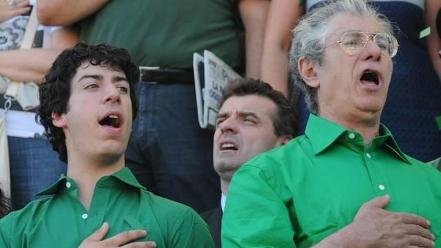 Renzo (links) und Umberto Bossi (rechts): Beide sind zurückgetreten (Archiv)