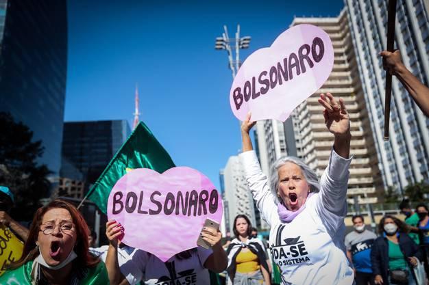 Befürworter des brasilianischen Präsidenten Jair Bolsonaro protestieren in São Paulo.