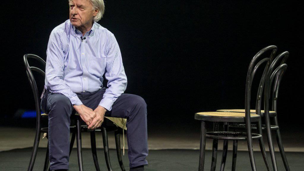 Kabarettist Emil Steinberger ist verärgert: Schwarzhändler treiben ihr Unwesen mit Tickets zu seiner aktuellen Bühnenshow «Emil - No einisch». (Archivbild)