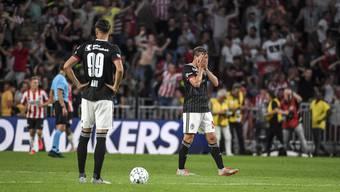 Fassungslosigkeit bei Kemal Ademi und Fabian Frei nach dem verspielten Sieg gegen PSV Eindhoven.