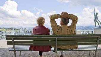 Je älter Menschen sind, desto wichtiger ist für sie die Treue in der Partnerschaft. (Archiv)