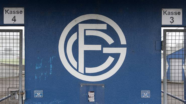 Der Trainingsplatz des FC Grenchens sieht momentan recht leer aus: der Rasen ist gefroren, Geld für einen Kunstrasen fehlt.