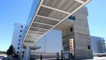 Coop nimmt das neue Logistikzentrum und Grossbäckerei in Betrieb.