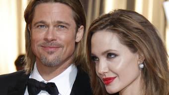 Brad Pitt und Angelina Jolie nähren neue Heiratsgerüchte (Archiv)