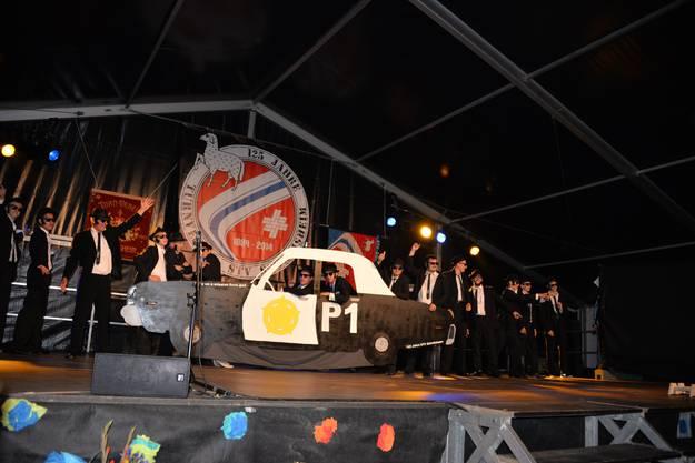 Der Turnverein Schafisheim mit seinem Jubiläumsreigen: The Blues Brothers