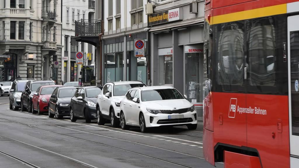 Parkplätze an der Bahnhofstrasse verschwinden endlich
