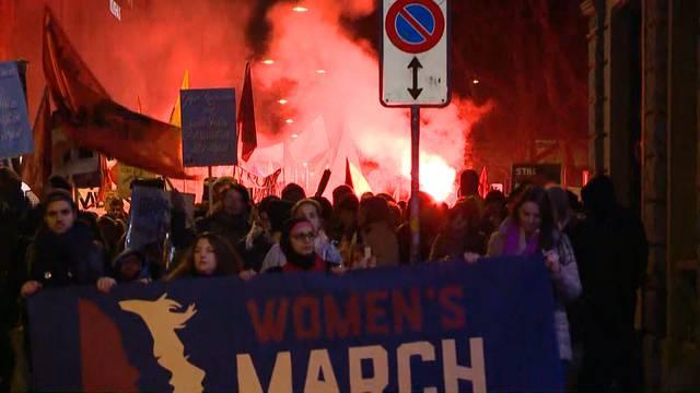 Rund 2000 marschieren in Zürich gegen Trump