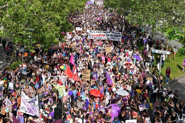 Demonstrationszug am Frauenstreik 2019 in Zürich.