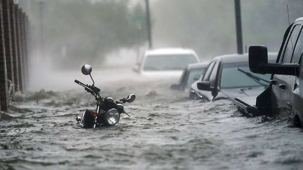 Besonders betroffen von Naturkatastrophen waren 2020 die USA - im Bild Überschwemmungen in Florida wegen des Hurrikans «Sally». (Archiv)