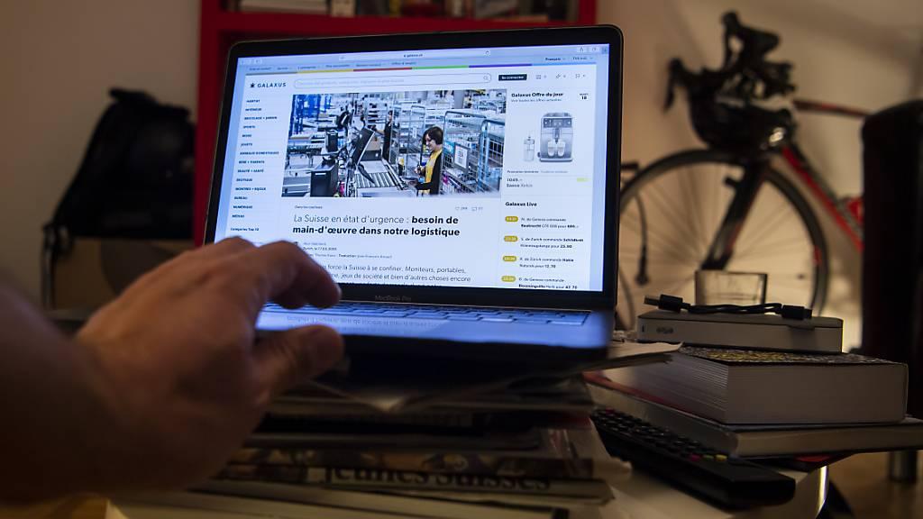 Für Menschen mit Behinderung kann online Einkaufen immer noch hürdenreich sein. (Themenbild)