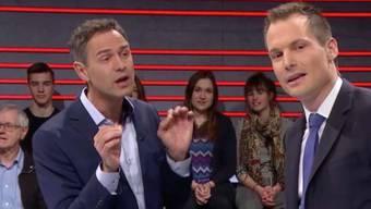 """Historiker Daniele Ganser und Moderator Jonas Projer während der SRF-Sendung """"Arena"""" zum Thema """"Trumps Krieg gegen die Medien"""", nach der es knapp 500 Beanstandungen hagelte: Der Ombudsmann hält fest, dass das Sachgerechtigkeitsgebot in drei Punkten verletzt worden sei."""