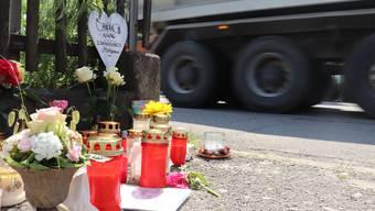 Die Unfallstelle an der Luzernerstrasse in Moosleerau, wo am 6. Juni 2019 ein 10-jähriger Bub von einem Lastwagen überfahren und getötet wurde.