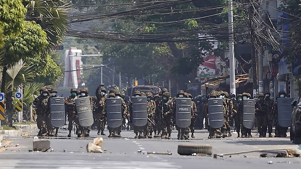Proteste reissen nicht ab - Polizei greift hart durch