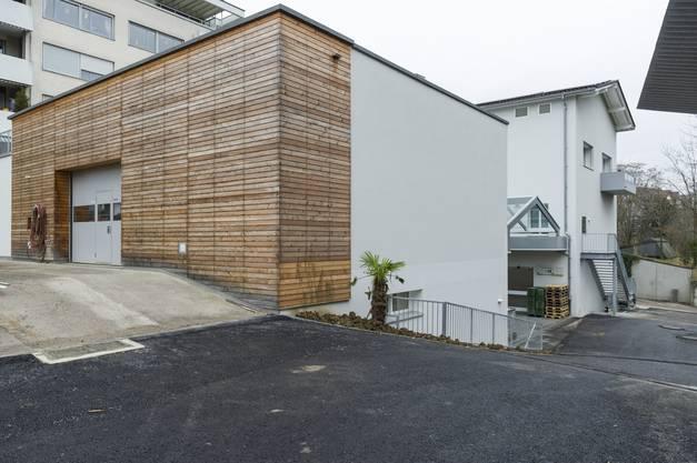 Das umgebaute Betriebsgebäude in der Aussenansicht.
