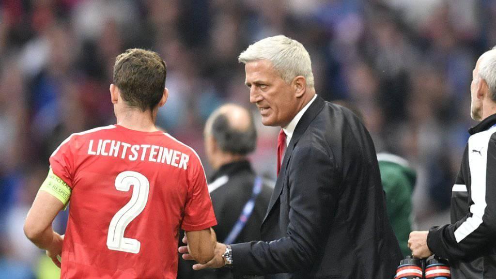 Nationalcoach Vladimir Petkovic und Captain Stephan Lichtsteiner wollen heute mit der Schweiz in den EM-Viertelfinal einziehen