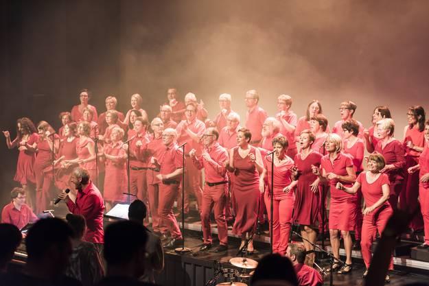 Die Vindonissa Singers unter der Leitung von Richard Geppert bei ihrem Konzert vom 24. September 2016 im Kurtheater Baden.