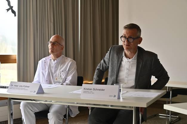 Dr.med Urs Führer, leitender Arzt für Infektiologie und Spitalhygiene und Kristian Schneider, Spitaldirektor.