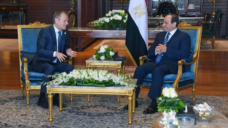 EU-Ratspräsident Tusk (l.) mit dem umstrittenen Abdel Fattah al-Sisi.