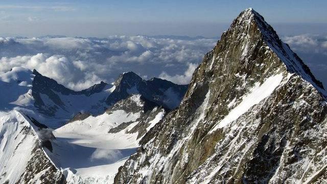 Das Finsteraarhorn ist der höchste Gipfel der Berner Alpen