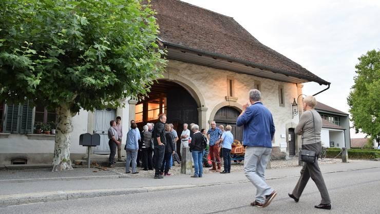 Über 70 Personen nehmen an der Gründungsversammlung des Vereins Pro Bossarthaus teil.