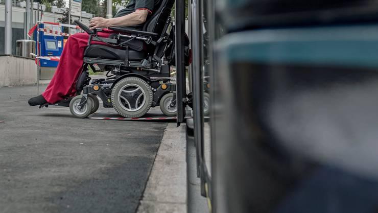 Längst nicht alle Haltestellen des öffentlichen Verkehrs sind behindertengerecht umgebaut.