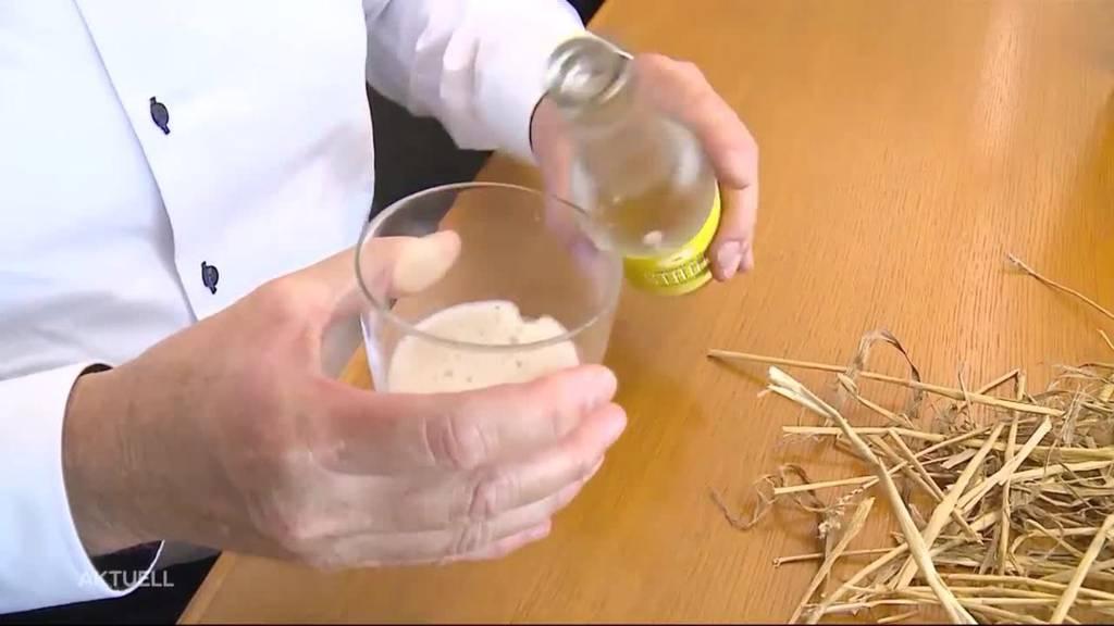 Erfrischendes Sommergetränk mit Stroh-Geschmack