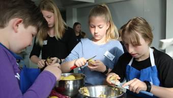 Beim Ferienpass Region Brugg können die Kinder aus vielen Kursen auswählen. Das Angebot umfasst sowohl Ausflüge wie auch Kochkurse.
