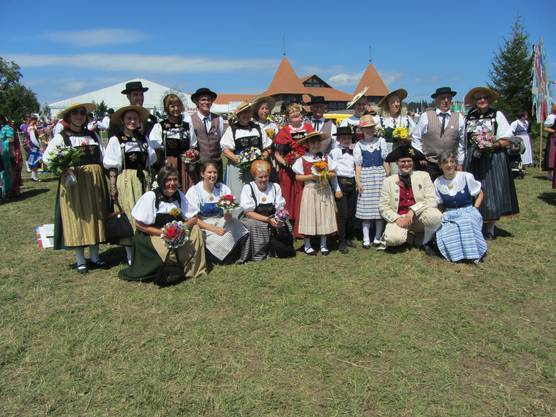 Aargauer Trachtenleute aus allen vier Regionen vertraten den Aargauischen Trachtenverband am Marché-Concours