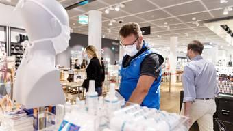 Am 3. September 2020 wurde im Kanton Solothurn die Maskenpflicht in Läden eingeführt. (Archiv)