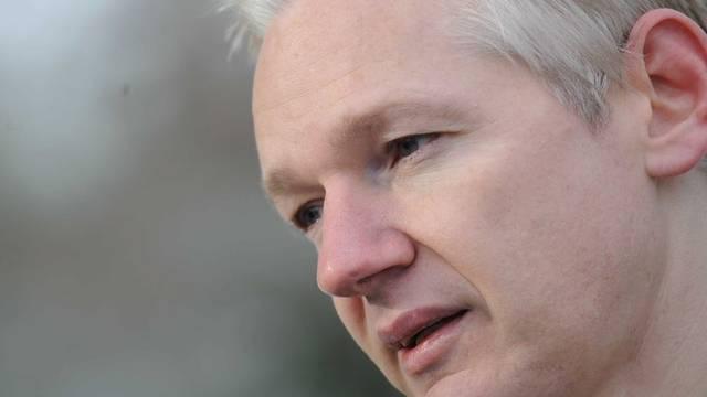 Die USA suchen nach Möglichkeiten, Wikileaks-Gründer Assange wegen Geheimnisverrats vor Gericht zu stellen (Archiv)