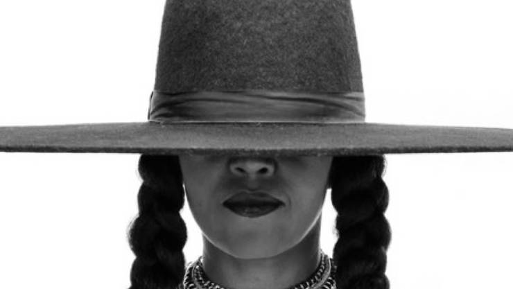 Michelle Obama war eine von 18 Freundinnen und Verwandten, die Beyoncé im Beyoncé-Look zum Geburtstag gratulierten. (Homepage)