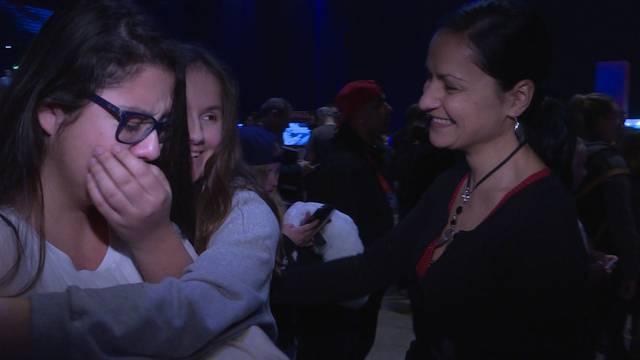 Youtube-Zwillinge lassen Mädchen weinen