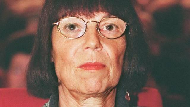 Die Dichterin Sarah Kirsch 1996 in Darmstadt (Archiv)