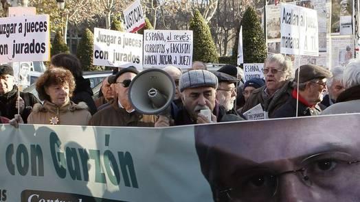 Demonstration zur Unterstützung Garzons vor dem Gericht in Madrid