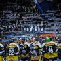 Auch in der abgelaufenen Qualifikation strömten viel Fans (im Bild jene von Ambri-Piotta) in die Stadien