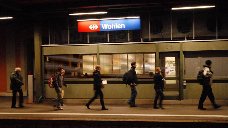 Gefährlich, unattraktiv, nicht zeitgemäss: Der Gemeinderat sieht Handlungsbedarf beim Bahnhof Wohlen.  Walter Schwager/Archiv