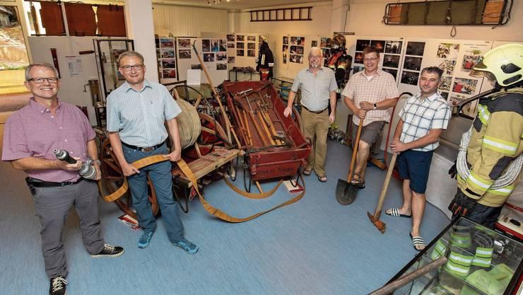 Die Ausstellungsmacher (noch) unter sich: (von links) Hanspeter Linder, Stephan Berger, Kurt Heutschi, Christian Born und Daniel Gschwend.
