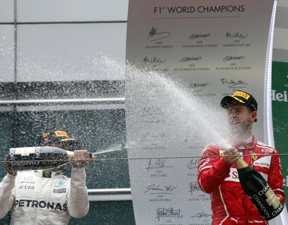 Hamilton triumphiert in China (© KEYSTONE/EPA)