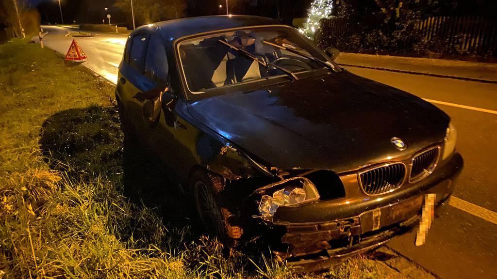 Mit 3,3 Promille: Autofahrer baut Selbstunfall