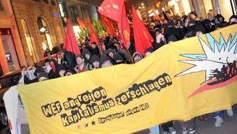Auf Tour: Schon 2009 führte die Anti-WEF-Demo durch die Freie Strasse. (Jun)