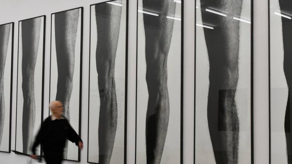 """Die monumentalen Fotografien """"Les Jambes"""" von Balthasar Burkhard (1944-2010) sind Teil der Ausstellung """"Big Picture"""" im Aargauer Kunsthaus in Aarau."""