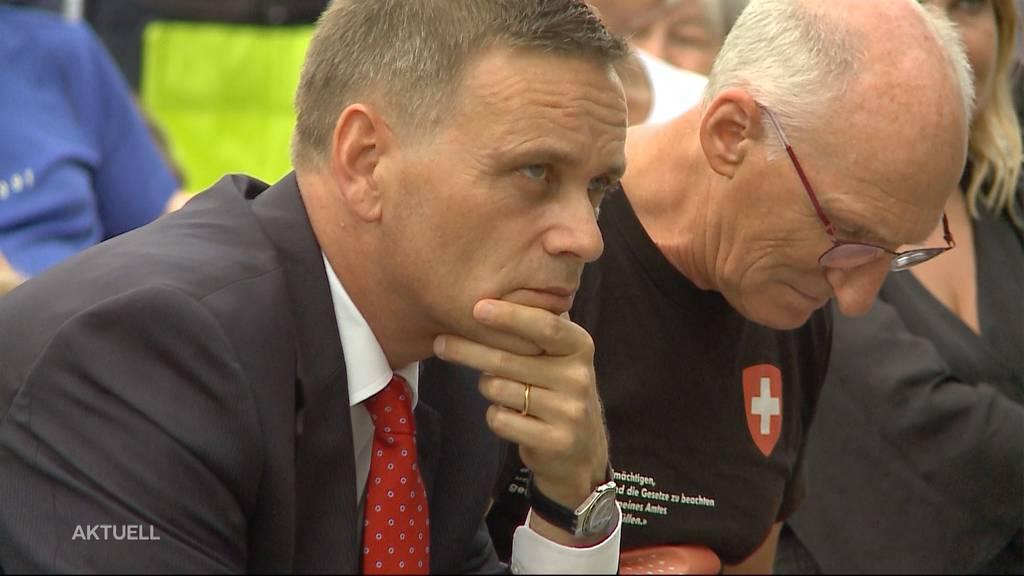 JUSO fordert Rücktritt von Gesundheitsdirektor Jean-Pierre Gallati