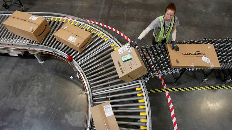 Die Schweizerische Post rechnet fürs abgelaufene Jahr mit rekordhohem Paketvolumen.