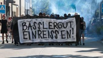 Linke demonstrieren gegen Bässlergut-Erweiterung