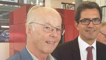 Hoch erfreut: Toni Brühlmann-Jecklin (SP) und Daniel Issler (Limmattalbahn AG) sind guter Dinge.