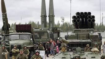 In Russland sind bei einem missglückten Test auf einem Militärgelände sieben Menschen ums Leben gekommen - zudem ist laut Meldungen vom Samstag eine erhöhte Radioaktivität festgestellt worden. (Symbolbild)