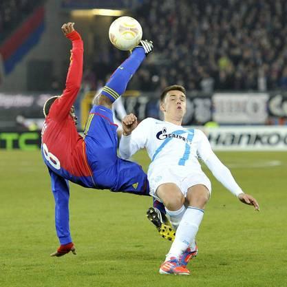 Nochmals Geoffroy Serey Die gegen Milan Rodic.