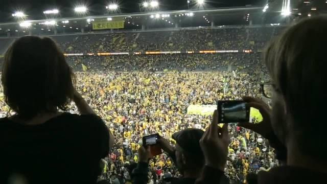 Young Boys sind Schweizermeister 2018: Die Fans feiern im Stade de Suisse